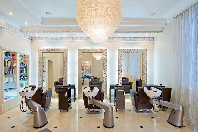 Чем отличается парикмахерская от салона красоты?
