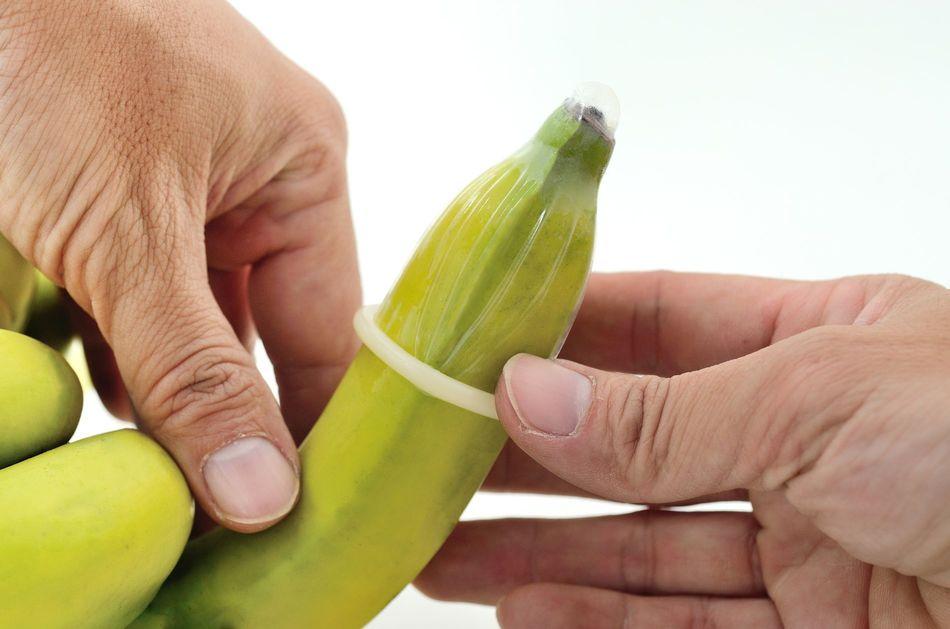 Как правильно надевать презерватив?